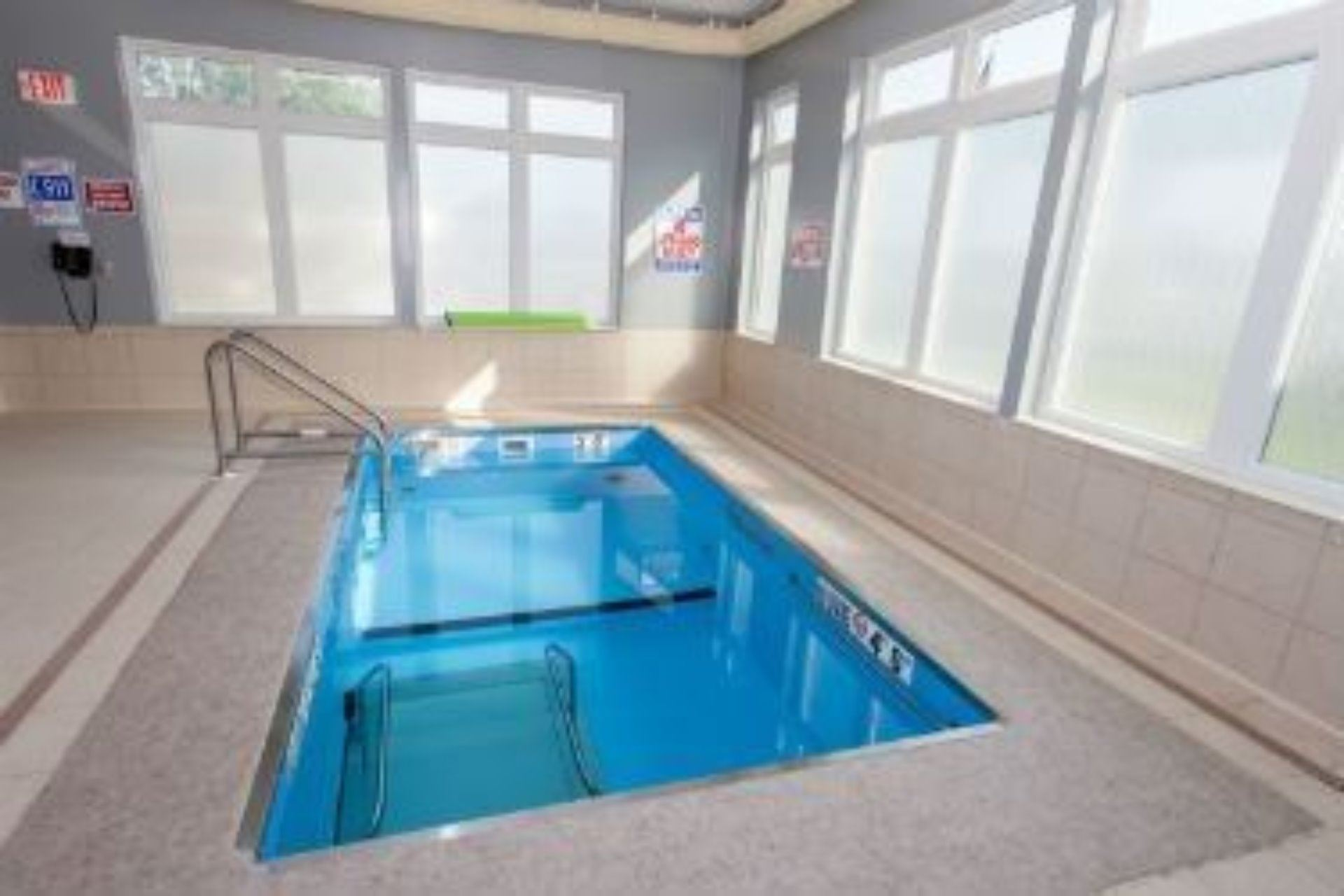 Health & Rehab Center Therapy Pool