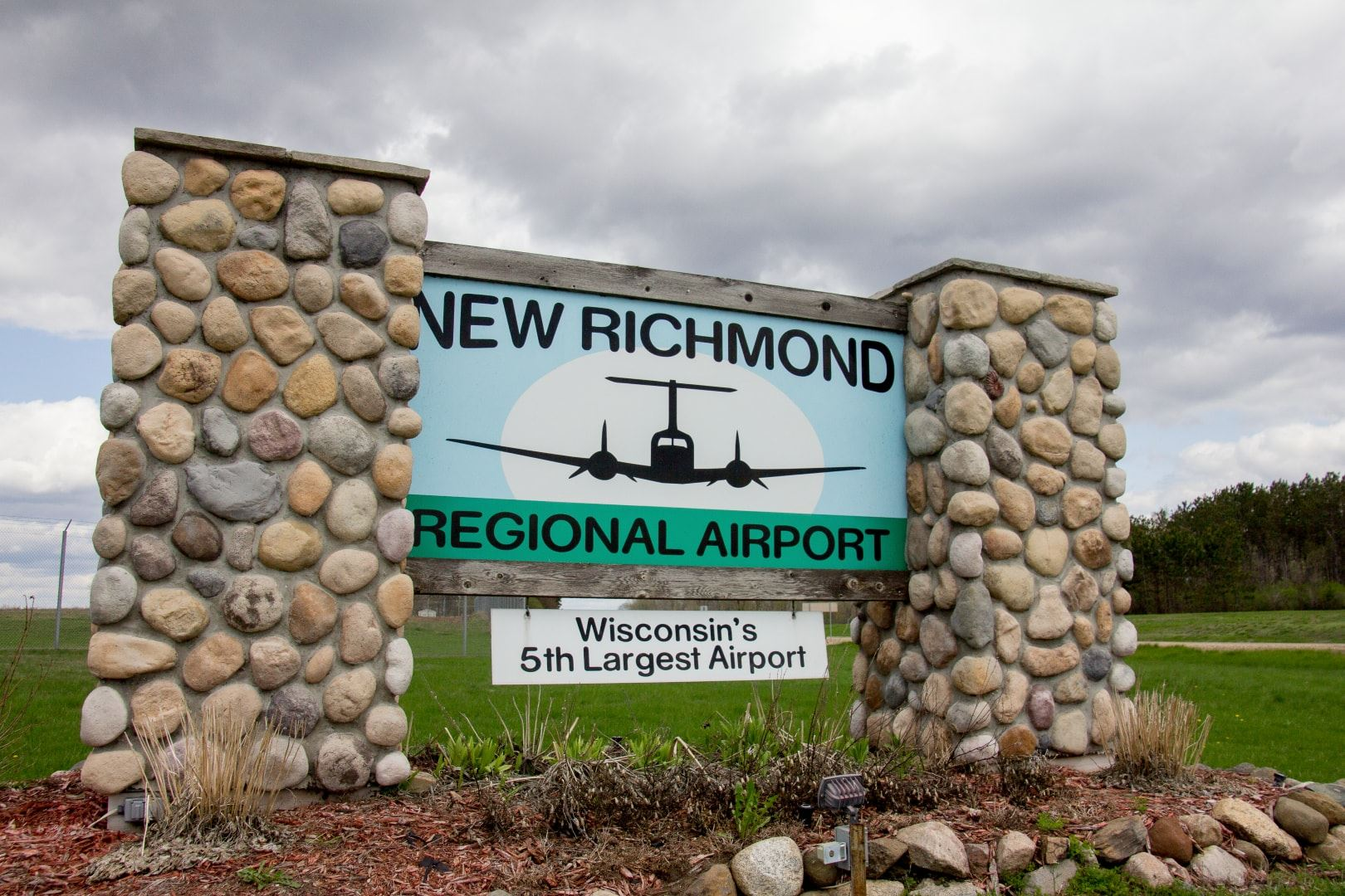 New Richmond Airport Sign